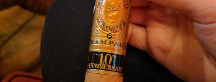 Buena Vista Cigar Club is one of Locais salvos de Stephanie.