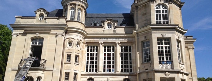 Château Fond'Roy is one of Tempat yang Disukai Valérie.