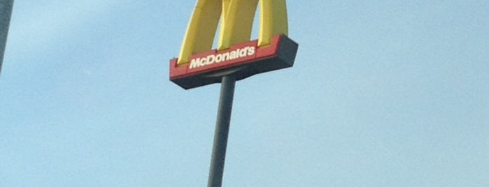 McDonald's is one of Lieux qui ont plu à R A Y A N E.