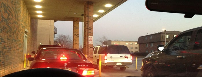 Walgreens is one of สถานที่ที่ Kim ถูกใจ.