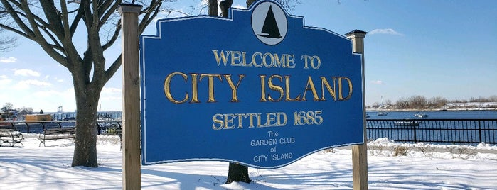 City Island is one of IN TOWN.