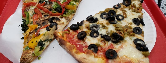 Saba's Pizza is one of El Greco Jakob : понравившиеся места.