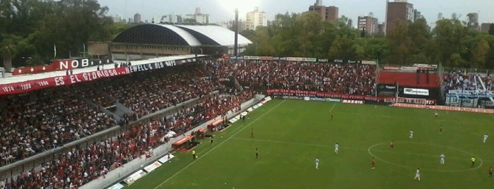 Estadio Marcelo Bielsa (Club Atlético Newell's Old Boys) is one of Estadios de Futbol.