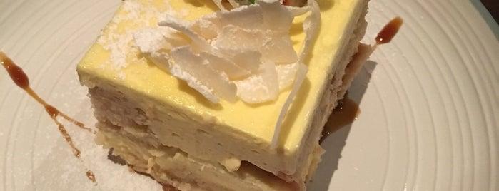 Eggless Dessert Cafe is one of สถานที่ที่บันทึกไว้ของ William.