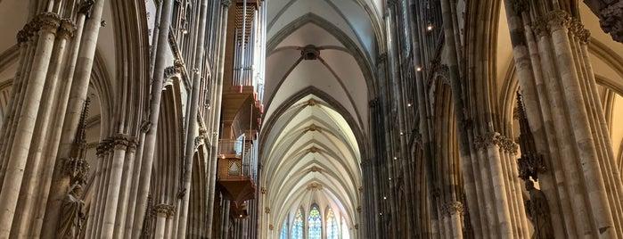 Duomo di Colonia is one of Posti che sono piaciuti a Kalle.