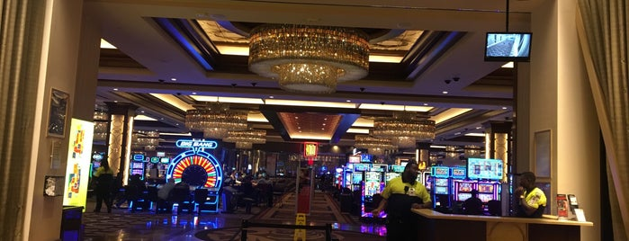 Horseshoe Casino Diamond Lounge is one of Lugares favoritos de Mark.