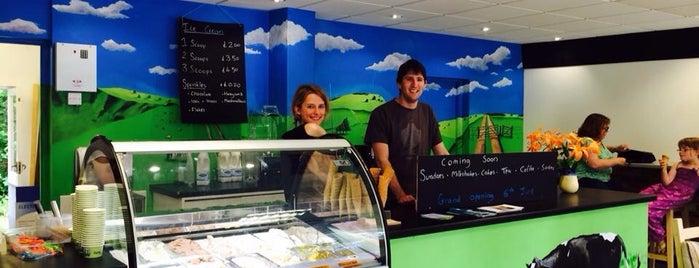 Dylan's Ice Cream Parlour is one of Tempat yang Disukai 🐝Nhag.