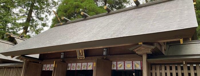 Amanoiwato-jinja Shrine is one of Lieux qui ont plu à Makiko.