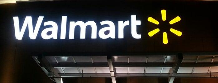 Walmart Supercenter is one of Lieux qui ont plu à Willie.
