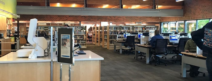 Hennepin County Library Northeast is one of Posti che sono piaciuti a Brooke.
