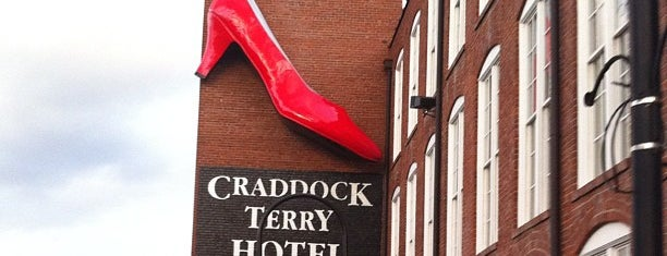 The Craddock Terry Hotel is one of Lieux qui ont plu à John.