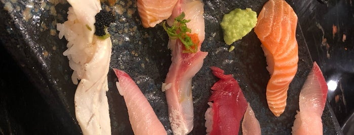 Amami Shima Sushi is one of Lieux qui ont plu à Alden.