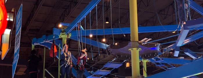 Main Event Entertainment is one of สถานที่ที่ PrimeTime ถูกใจ.