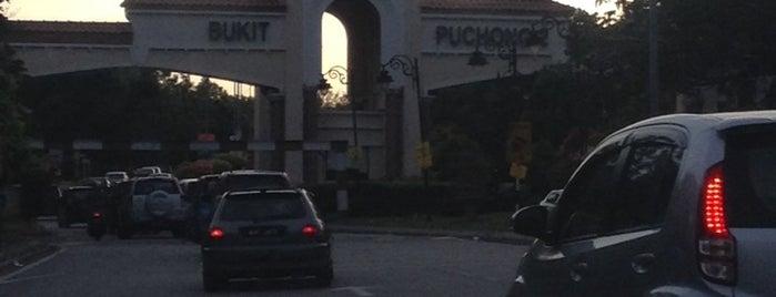 Pintu Gerbang Bandar Bukit Puchong 2 is one of b.