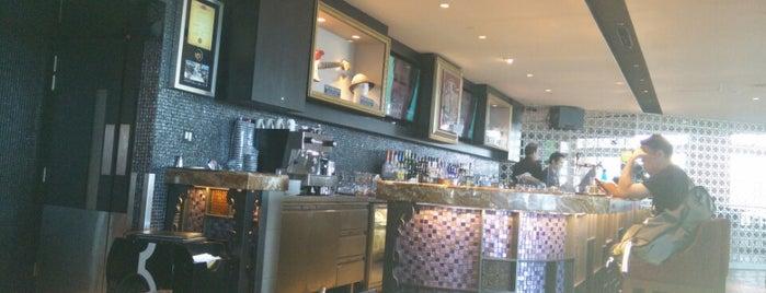 Hard Rock Café is one of Lugares favoritos de alejandro.