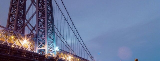 Puente de Williamsburg is one of New York City.