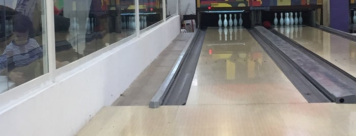 Marina Mall Bowling  |  بولینگ مارینا مال is one of Mohammadrezaさんのお気に入りスポット.