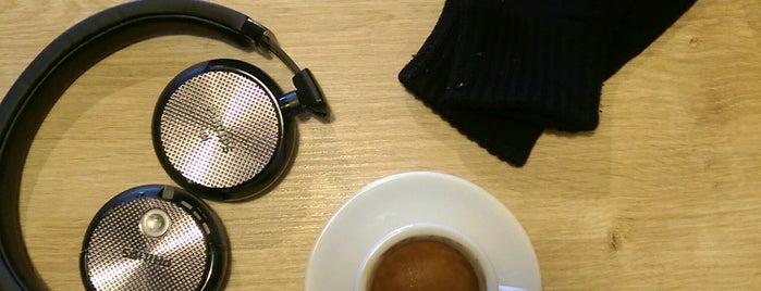 Monad Coffee is one of Locais curtidos por Tansel Arman.