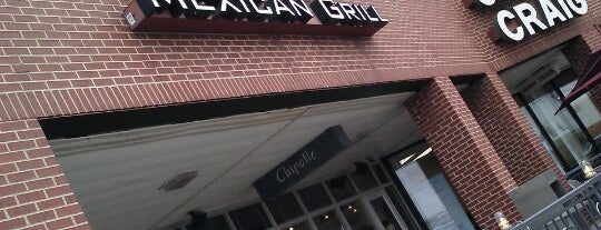 Chipotle Mexican Grill is one of Andrew 님이 좋아한 장소.