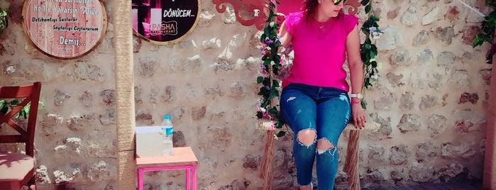 Mahzen Cafe&Restaurant is one of Orte, die Resul gefallen.