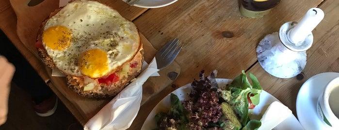 Myxa Café is one of Tempat yang Disukai Mariana.