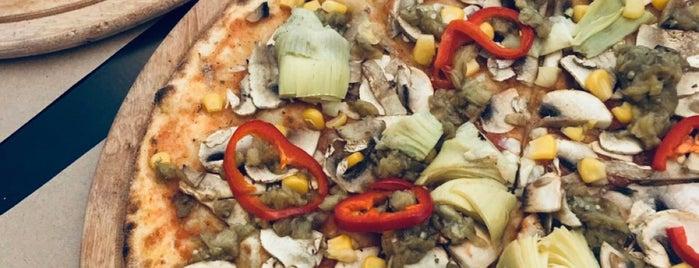 Pizza Locale is one of Gespeicherte Orte von Ibrahim.