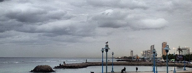 Jeddah Corniche is one of Haitham 님이 좋아한 장소.
