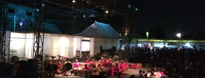 Festival Kesenian Yogyakarta 26 is one of Orte, die affini gefallen.