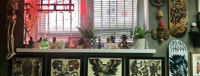 Good Sign Tattoo Studio is one of Lieux qui ont plu à Вероника.
