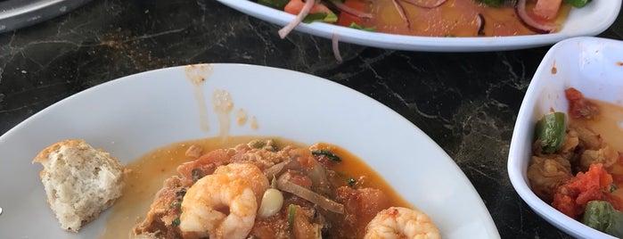 Gemi Restaurant is one of Kerem'in Beğendiği Mekanlar.