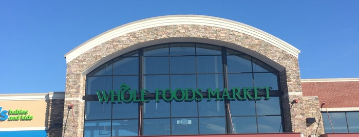 Whole Foods Market is one of Posti salvati di Eileen.