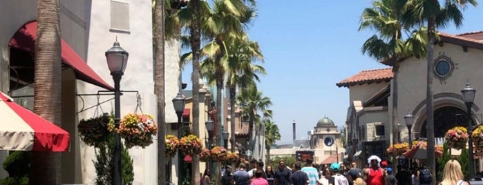 Universal City is one of Sergio M. 🇲🇽🇧🇷🇱🇷 님이 좋아한 장소.