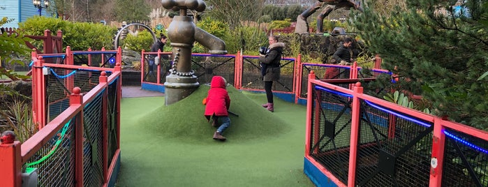 Extraordinary Golf is one of UK Tourist Attractions & Days Out.