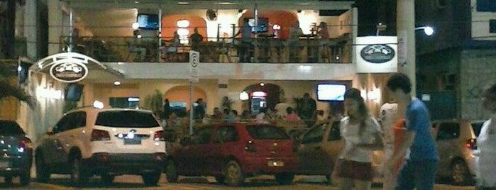 Três cozinhas is one of melhores restaurantes e bares!.