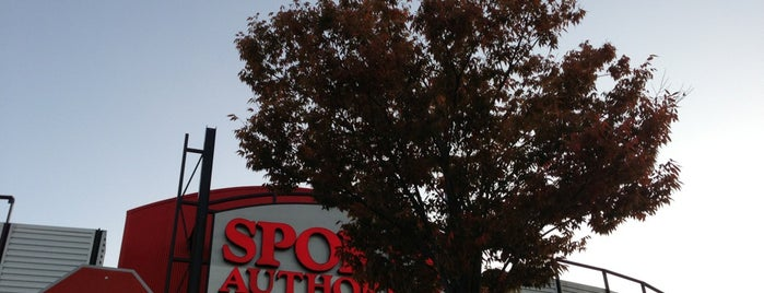 Sports Authority is one of Nancy's A.Kraus Places&Food's&Ect... <3.