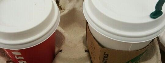 Starbucks is one of Maranda: сохраненные места.