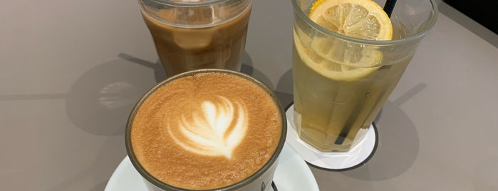 iki Espresso is one of fujiさんの保存済みスポット.