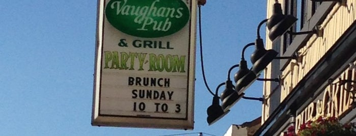 Vaughan's Pub Northwest Side is one of Amyさんのお気に入りスポット.