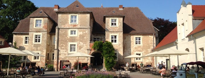 Wasserschloss Mellenthin is one of สถานที่ที่ Babbo ถูกใจ.