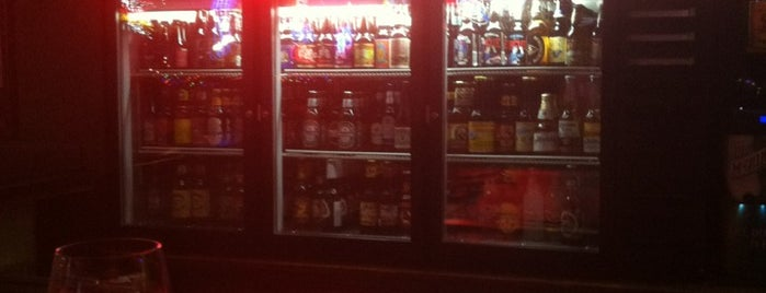 Shooter's Bar And BBQ is one of Orte, die Pat gefallen.