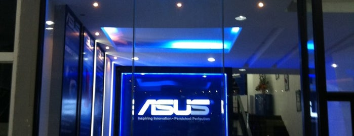 ASUS Service Center is one of Posti che sono piaciuti a Chaimongkol.