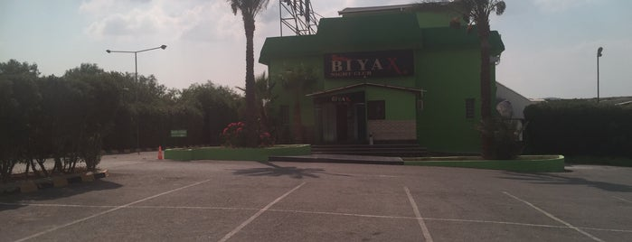Biyax Night Club is one of Kumpir Box    (sankopark): сохраненные места.