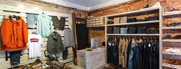 M10 men's store is one of «Новые места» в Петербурге.