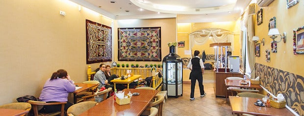 Чайхана «Аъло» is one of Где дешево и вкусно поесть или выпить в Петербурге.