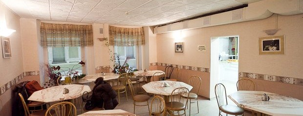 Столовая is one of Где дешево и вкусно поесть или выпить в Петербурге.