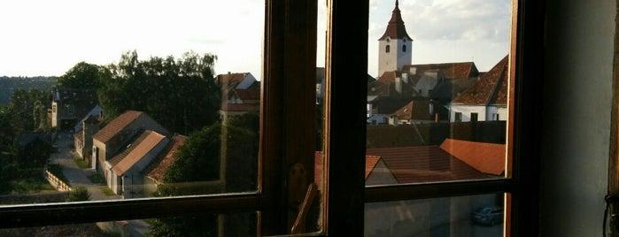 Schloss Drosendorf Hotel is one of der unterschlupf.