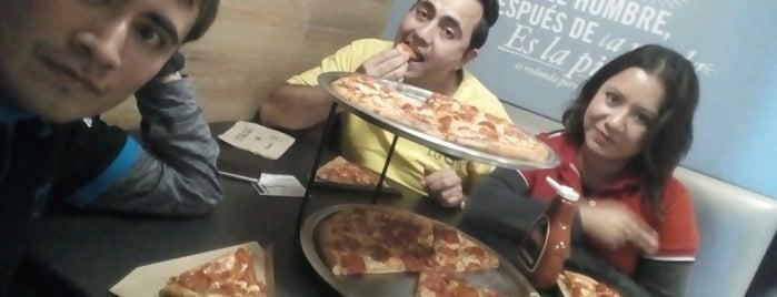 Domino's Pizza is one of Posti che sono piaciuti a Jocelyn.