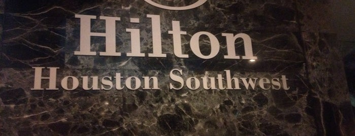 Hilton is one of Orte, die Brian gefallen.