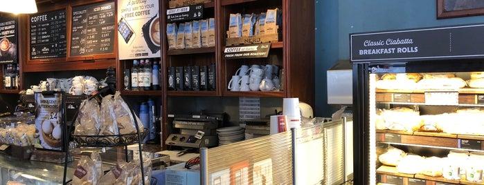 Caffè Nero is one of Lieux qui ont plu à LiiLiii.