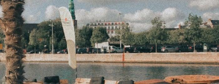 Kayak Bar is one of Kopenhag.